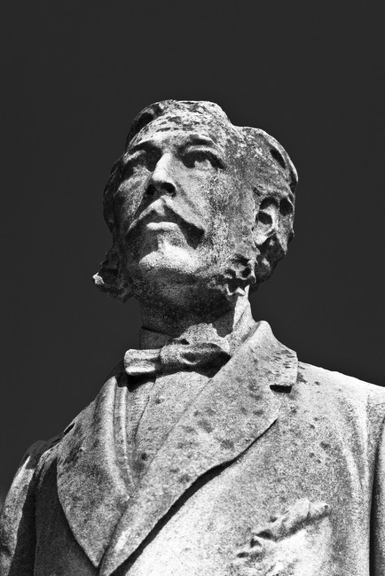 cimitero-monumentale-portrait-sculpture-2
