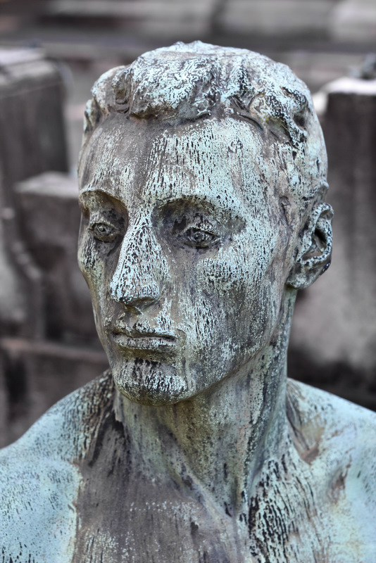 milan-cimitero-monumentale-7-3-2011-10-38-44-am